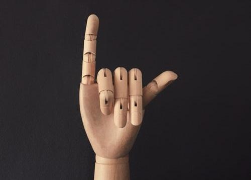 Kolumna Matjaža Lemuta: Identiteta vina – analiza štirih prstov